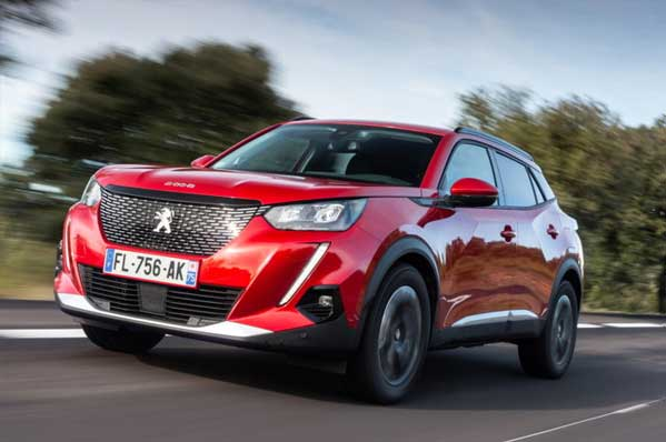 Nuovo Peugeot 2008 mix